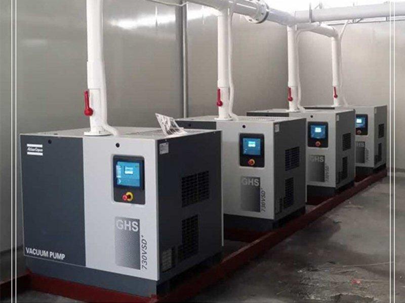 五金行业1台螺杆真空泵代替5台真空泵一年省电费16万